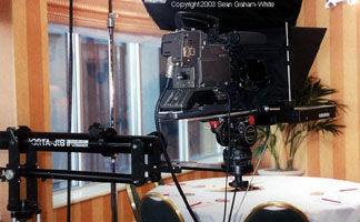 Camera mount teleprompter on a Porta-Jib - Infomercial
